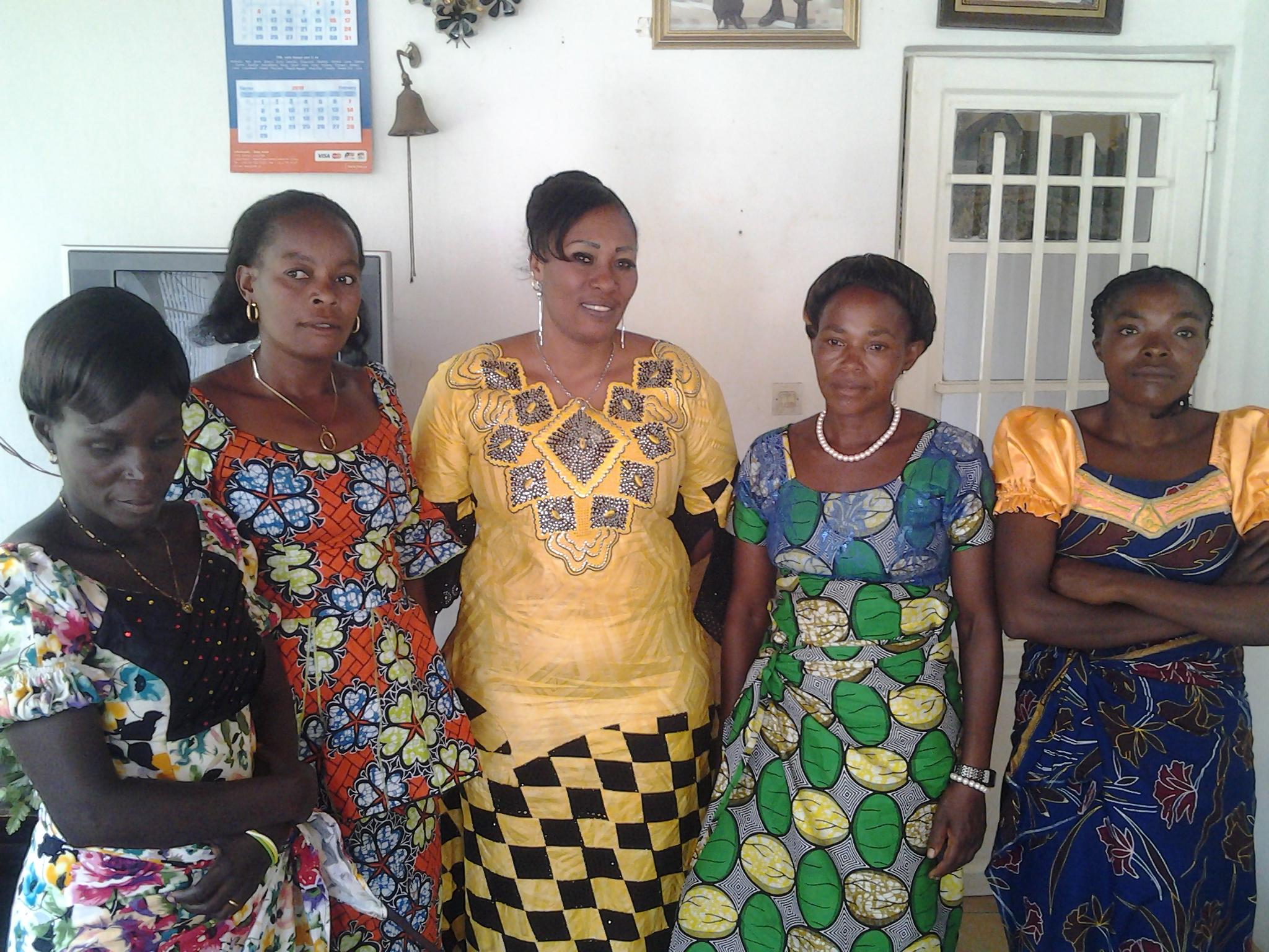 Idjwi : L'épouse du Chef de chefferie invite les femmes à participer massivement à l'enrôlement des électeurs