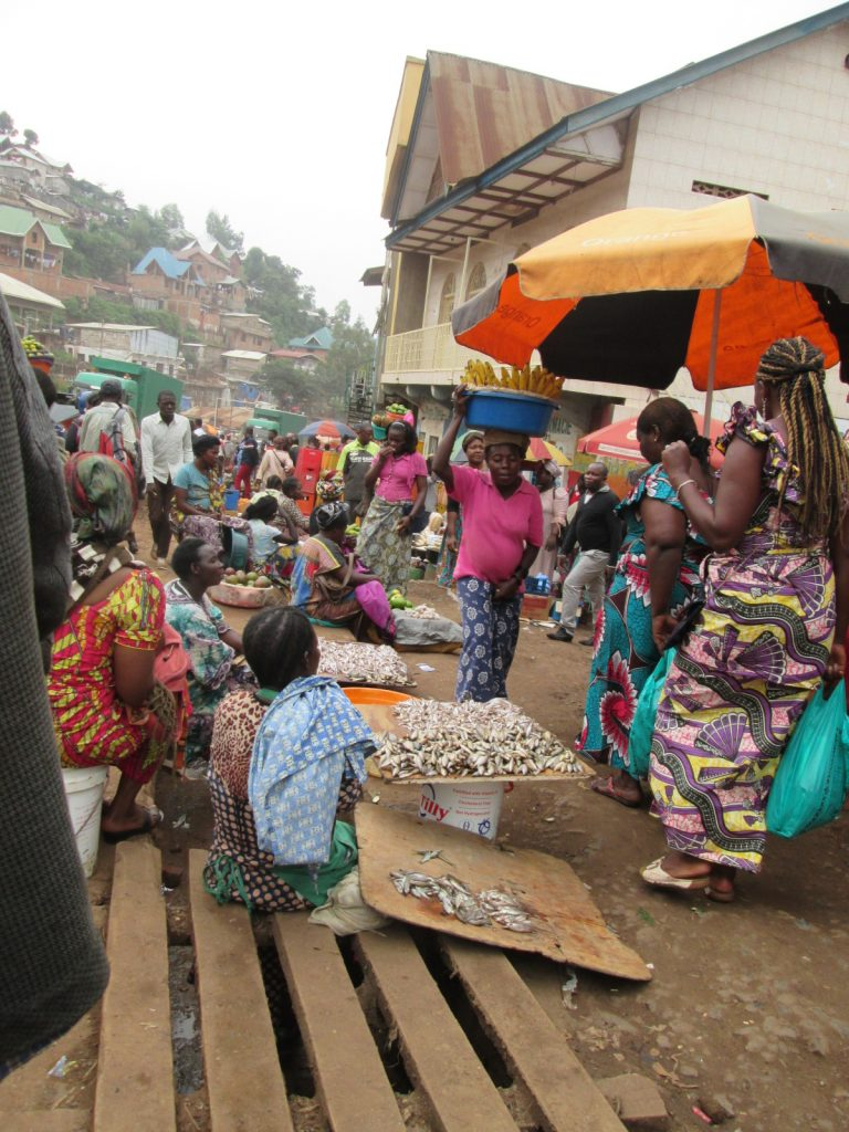 """Bukavu: Les """"marchés pirates"""" persistent au marché Beach Muhanzi"""