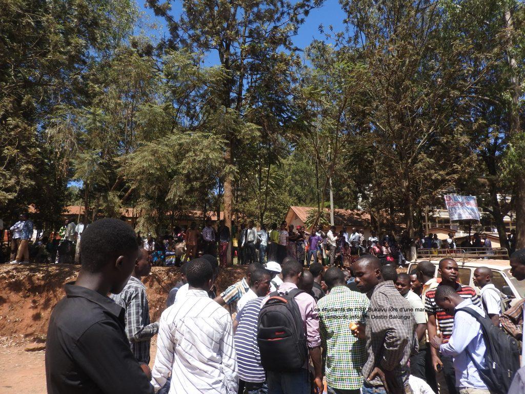 ISP Bukavu : Des étudiants en colère après la suspension de leurs camarades
