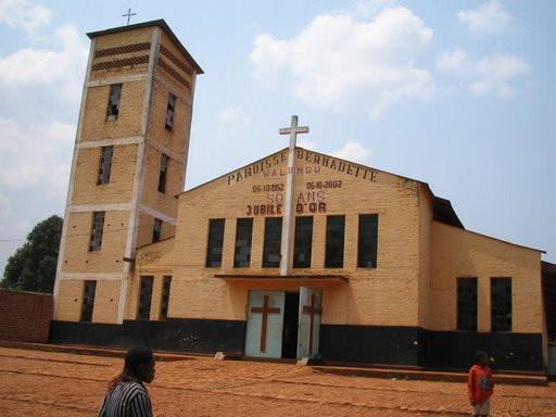 Walungu : La succursale de la COOPEC Nyawera attaquée par des hommes en armes
