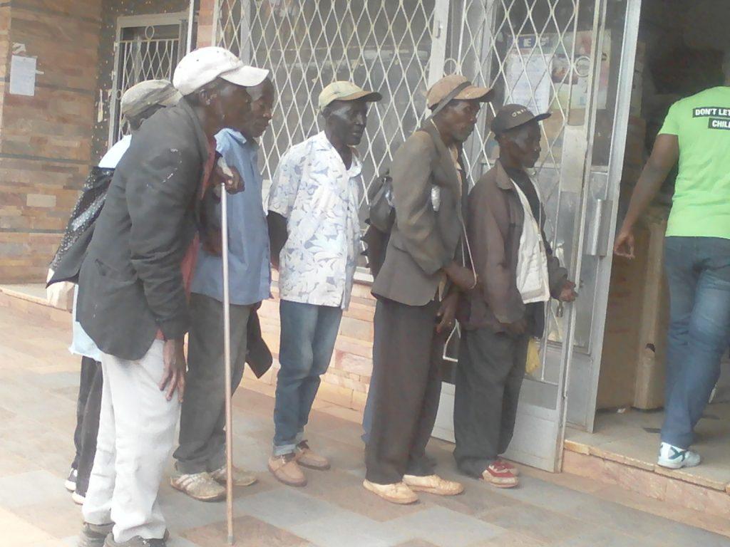 Sud-Kivu : Pour survivre, les vieillards recourent à la mendicité dans la ville de Bukavu