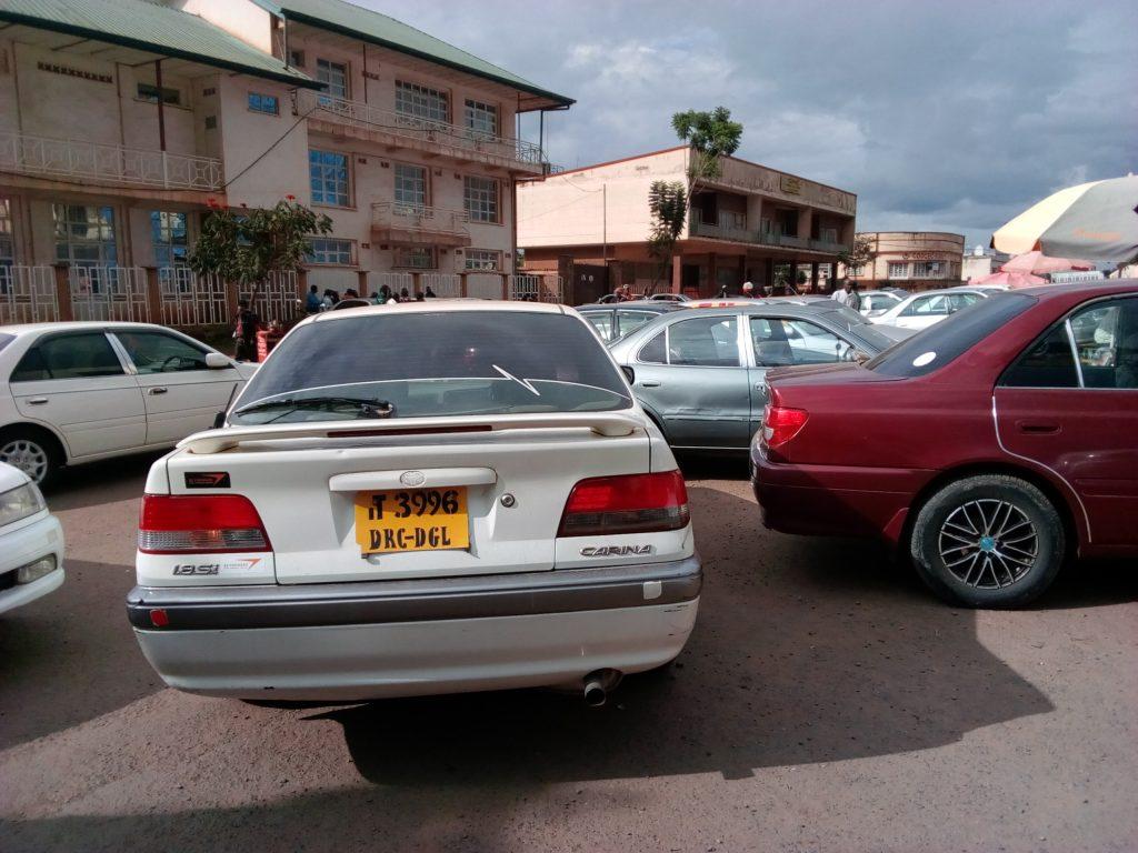 Bukavu : Des taximen défient la mesure du Maire de la ville interdisant la circulation aux taxis sans peinture sur la voirie urbaine