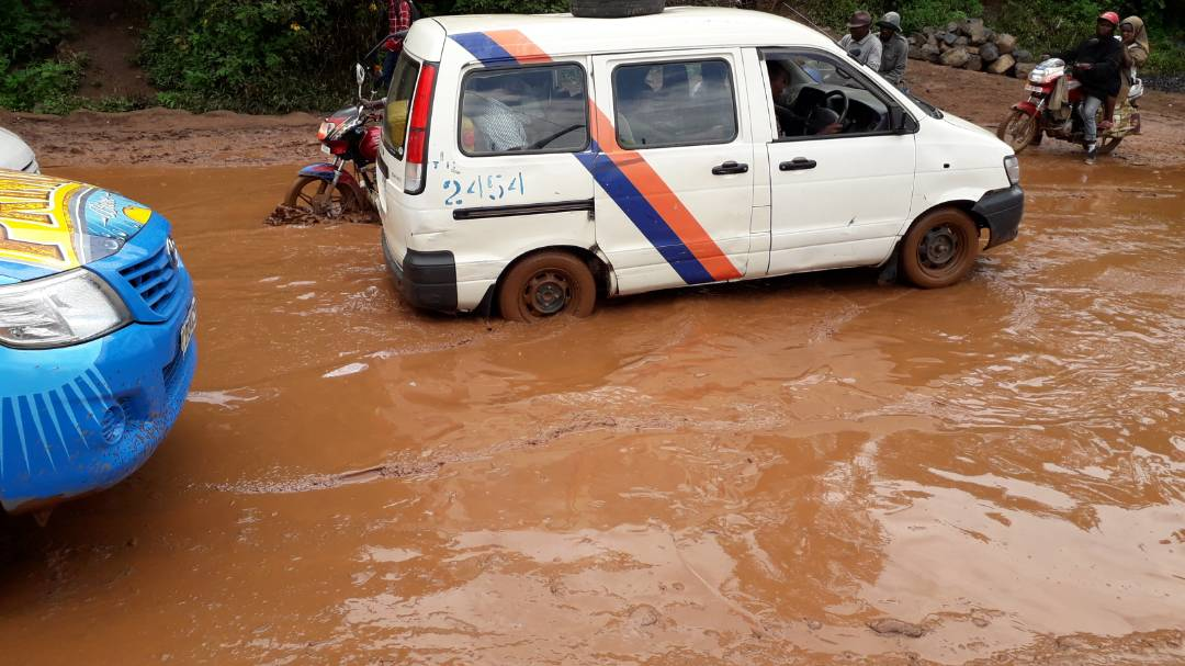 Bukavu: certains tronçons routiers nécessitent des warriors du volant pour les traverser
