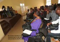 Sud-Kivu : 17 mois impayés dont 6 mois d'indemnité, les anciens membres et des agents du gouvernement provincial se tournent vers le gouverneur Claude Nyamugabo