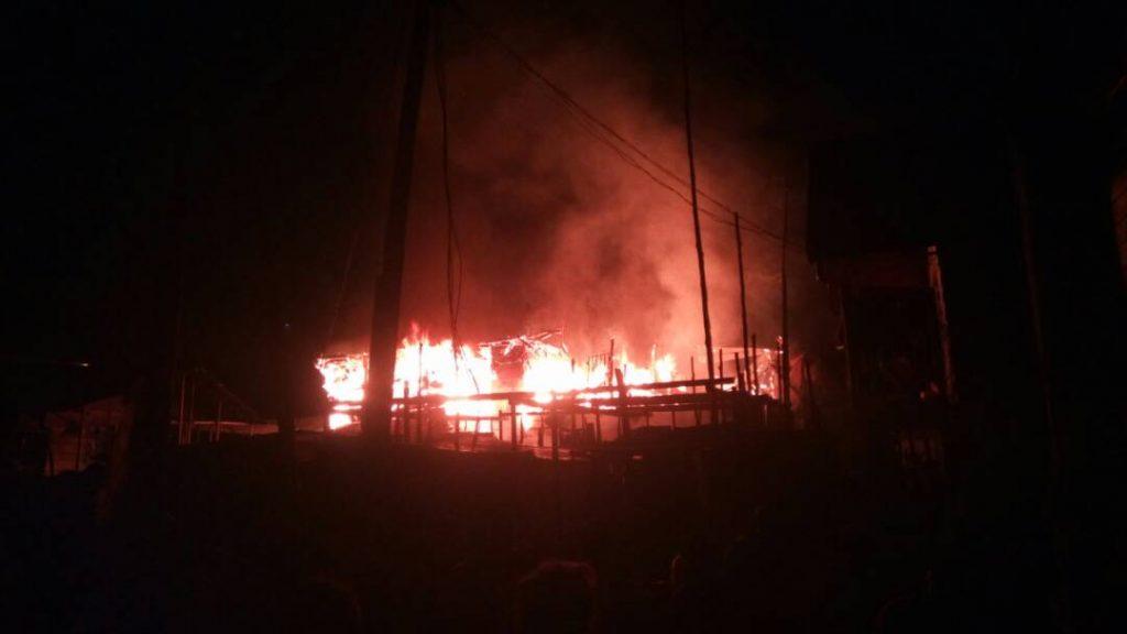 Flash : Un mort et plusieurs biens consumés dans le feu au quartier Nyalukemba