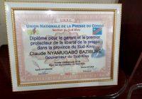 Sud-Kivu : Les journalistes controversent au tour du diplôme décerné au gouverneur Nyamugabo par l'UNPC