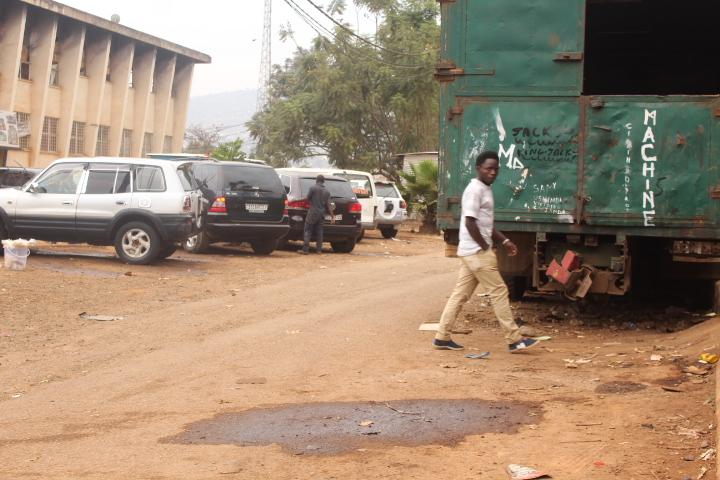 Bukavu : L'hôtel de la poste croule sous les odeurs nauséabondes (Reportage)