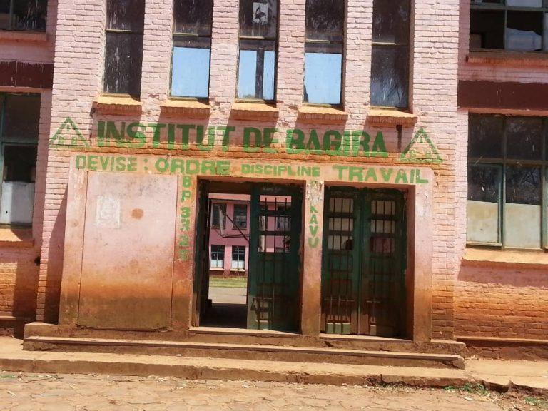 Bukavu: À l'Institut de Bagira, les électeurs ont pris connaissance ce soir des listes électorales affichées