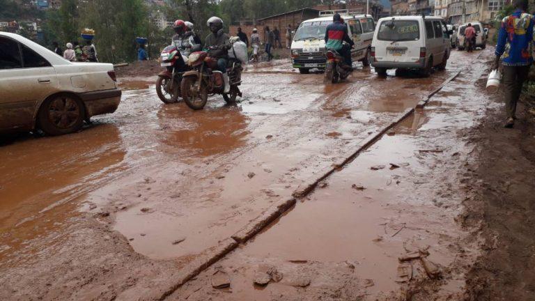Soumis au payement de 23 500FC, les transporteurs sur l'axe Bukavu-Walungu à la merci des tracasseries fiscales