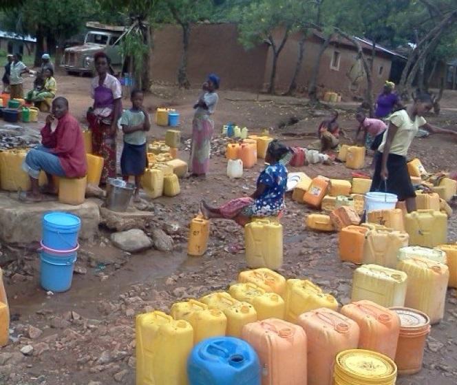 Bukavu : « L'eau des « Bizola », source des infections génitales chez les femmes », (infirmier Cubaka Modeste)