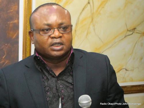 """Rdc: """"Si maintenant la carte de l'UNPC devient un moyen d'exclusion de certains journalistes…Jed va dénoncer…"""",prévient Tshivis Tshivuadi."""