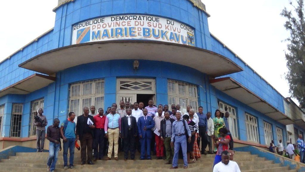Bukavu : Dans 7 jours, la mairie éclaire sur la gestion des fonds perçus dans la peinture des véhicules (NDSCI)