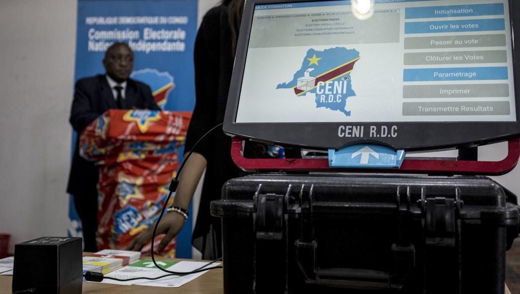 Sud-Kivu: La Ceni sensibilise dans des écoles de Bukavu sur la machine à voter