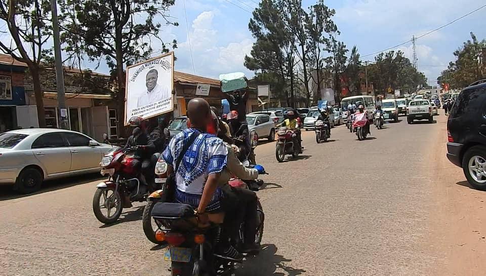 Sud-Kivu: Caravane motorisée à Bukavu pour célébrer le prix Nobel de la paix Denis Mukwege