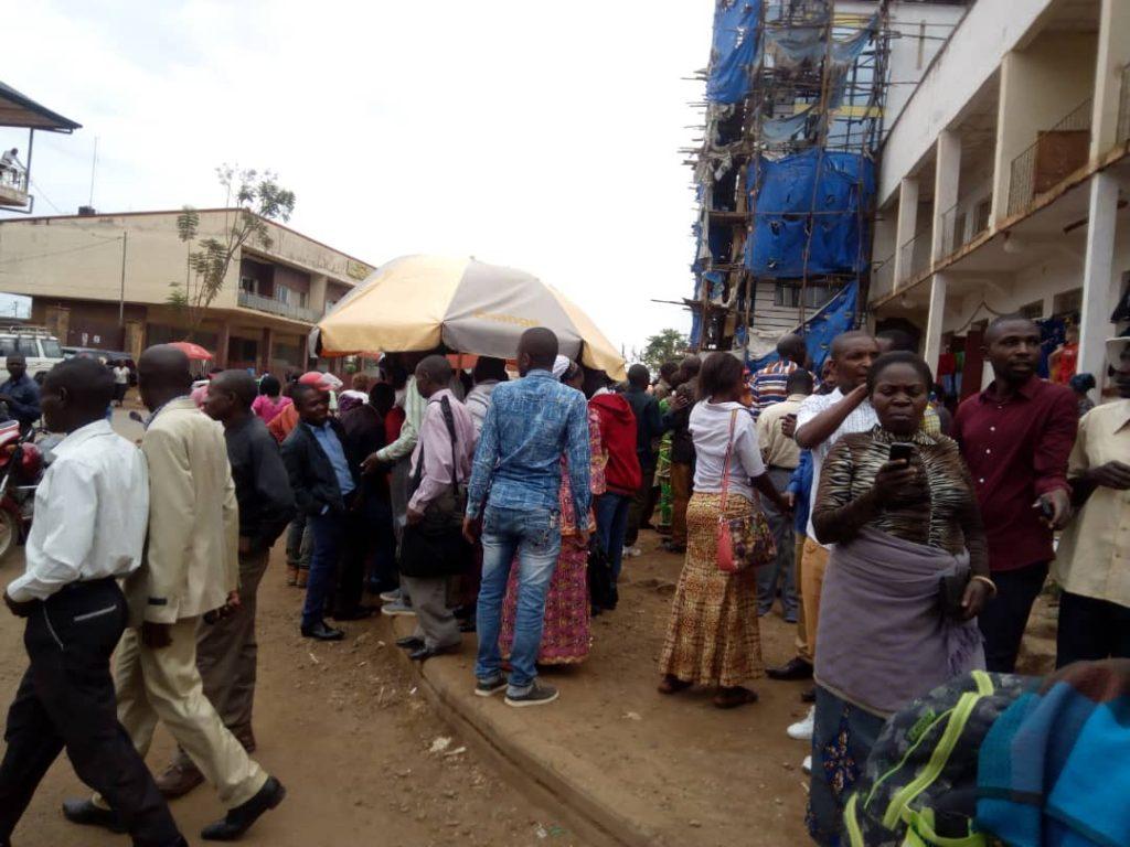 Bukavu: Plus de 400 enseignants marchent sur Labotte( situation en cours)