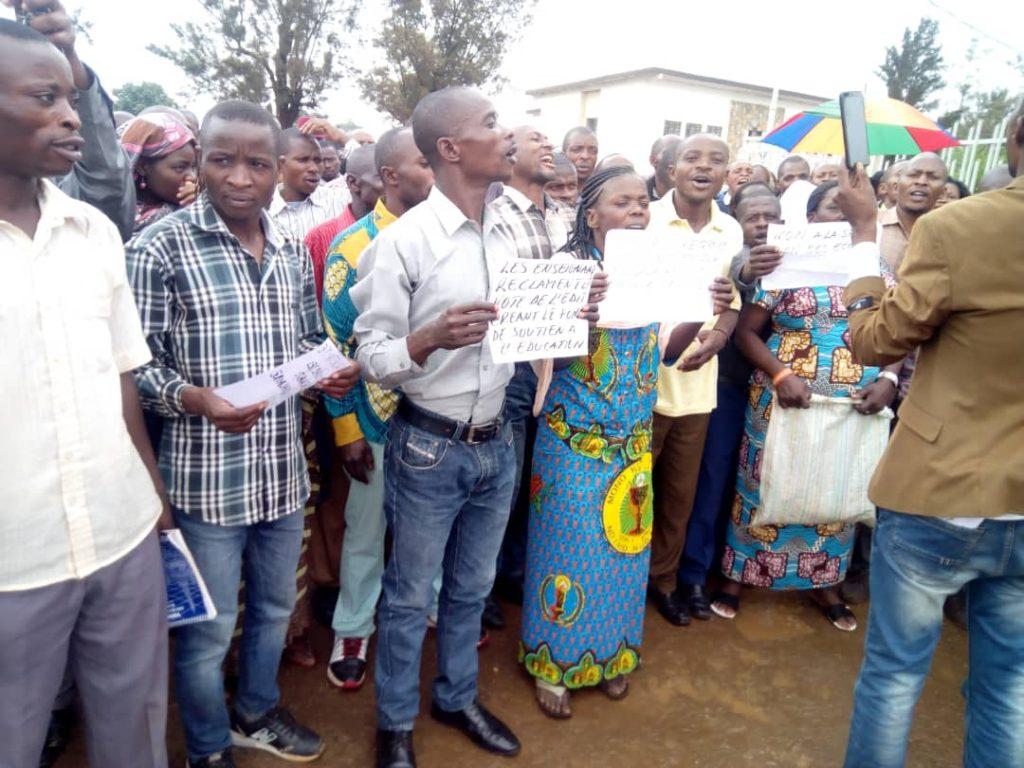 Bukavu: 5 enseignants blessés, leurs syndicalistes sont reçus par le gouverneur(situation à 12h30)