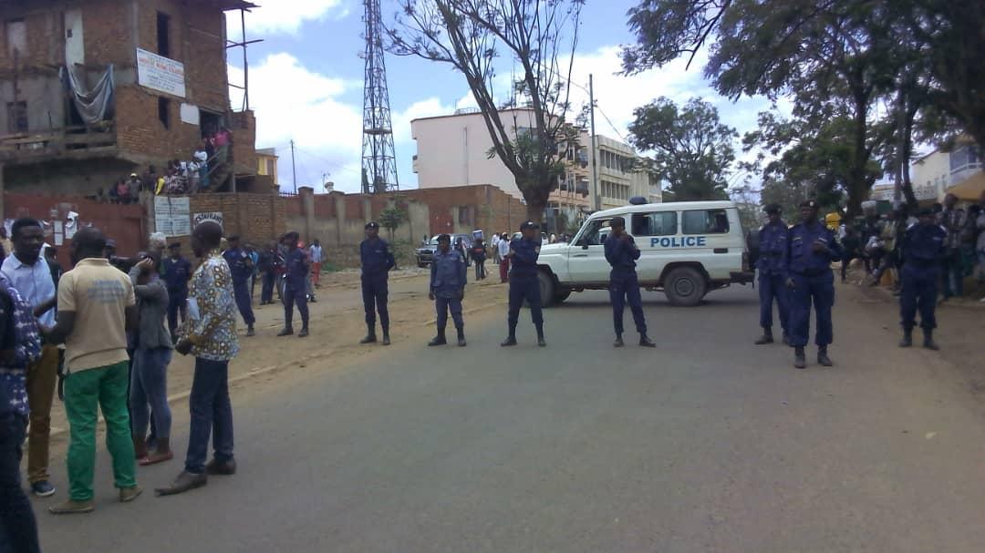 Direct-Bukavu: La police bloque tous les accès à l'opposition pour déposer le mémo à la Ceni(situation en cours)
