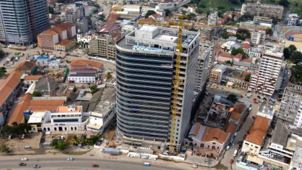 Angola:  Les étrangers en instance d'expulsion dépouillés de diamants, véhicules et plus de 80.000 dollars