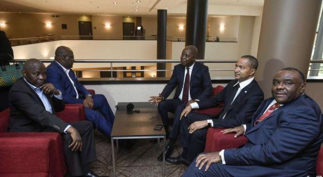 Conclave de l'opposition: Des décisions importantes attendues à Johannesburg du 23 au 25 octobre.