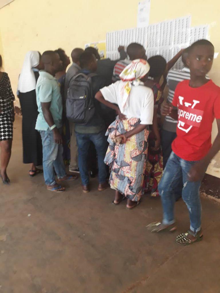Bukavu: Au lycée Nyakavogo, les électeurs éprouvent d'énormes difficultés pour voter