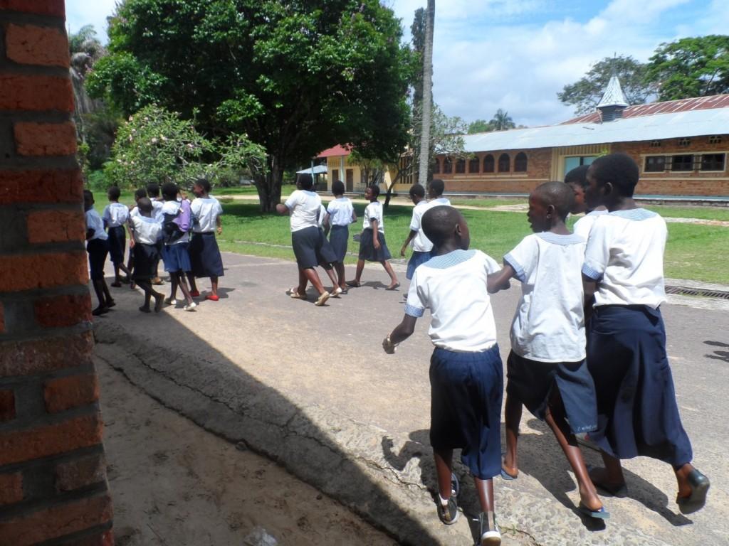 Bukavu : le Ministre provincial de l'EPSP interdit de chasser les élèves pendant la période des examens
