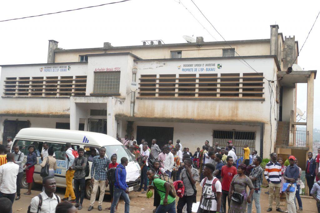 La société civile condamne la barricade de la route par les étudiants de l'ISP