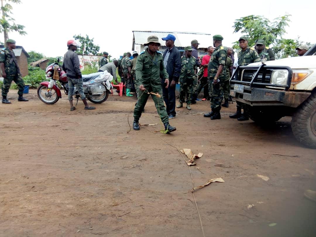 Sud-Kivu : Les barrières  illégales démantelées sur l'ordre de la 33e région militaire dans le territoire de Fizi