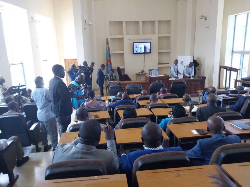 Début des élections sénatoriales au Sud Kivu : pas d'usage des téléphones par les députés dans les isoloirs