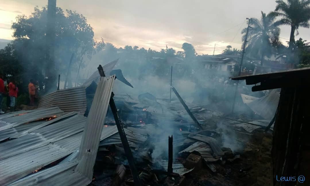 Kamituga : Sept maisons parties en fumée au quartier Essence-Kisima
