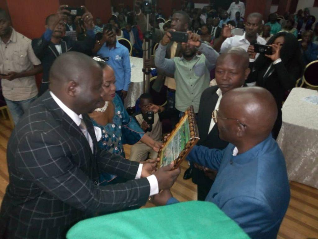 Sud Kivu : Me Patient Bashombe élevé au rang d'artisan de paix en RDC par la vision Barza Grands-Lacs