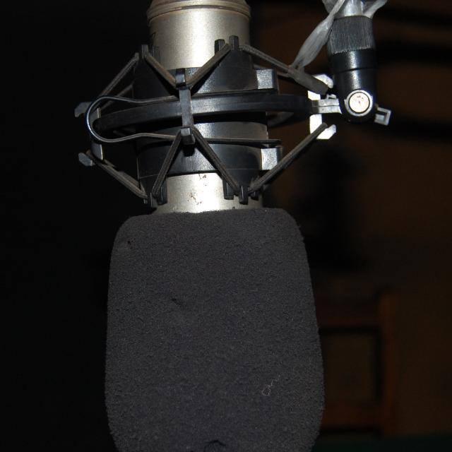 Ituri : La radio communautaire de Lwemba suspend son signal suite aux menaces de mort qui pèsent sur ses journalistes