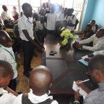 Sud-Kivu: Des élèves de Mapinduzi Panzi en guerre contre leur préfet Kitambala