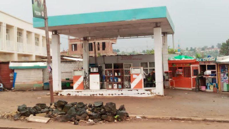 Bukavu : Des pétroliers suspendent les activités de vente pour exiger la libération de leur secrétaire