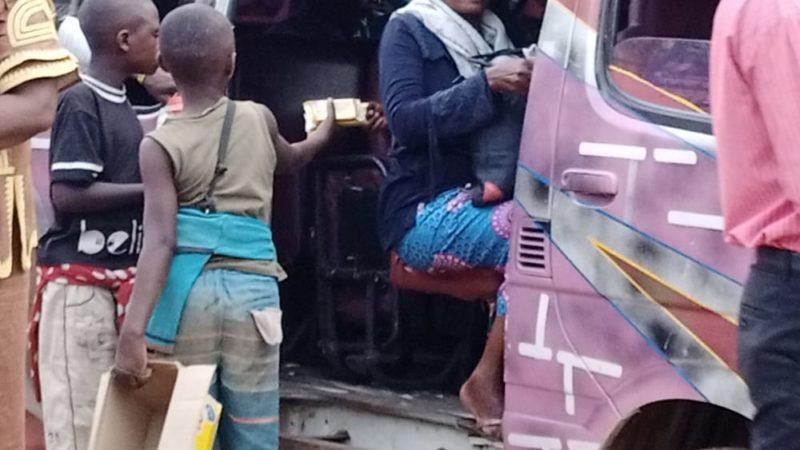RDC: Fermeture des écoles suite au Coronavirus, des élèves s'impliquent dans le petit commerce (Emission)