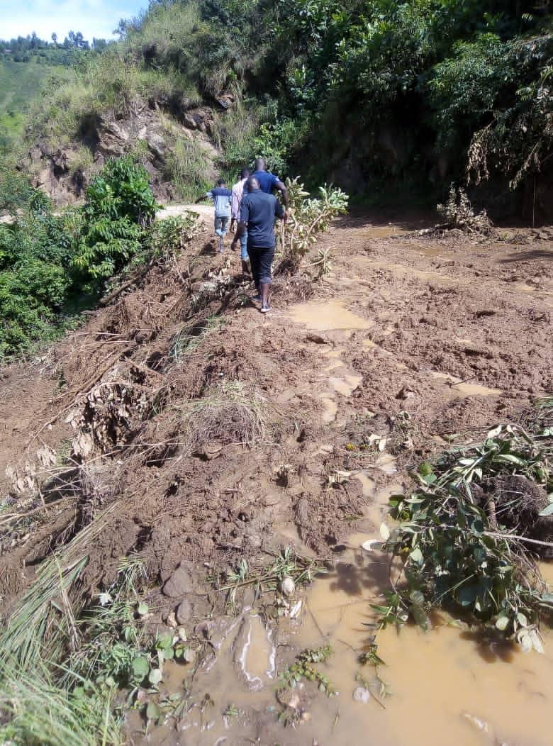 Sud-Kivu : Pas de trafic entre Uvira et Bukavu suite à un éboulement de terre à l'escarpement de Ngomo