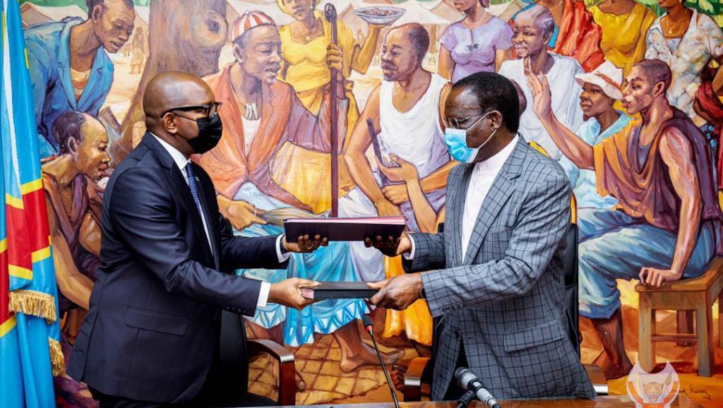 RDC : Sylvestre Ilunga cède sa place à Sama Lukonde dans un climat de joie