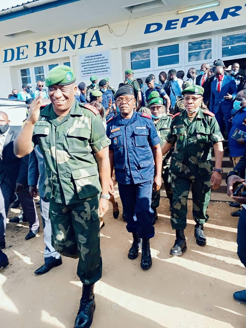 Ituri: Le lieutenant général Luboya Nkashama, gouverneur militaire et son vice ont été accueilli chaleureusement par la population.