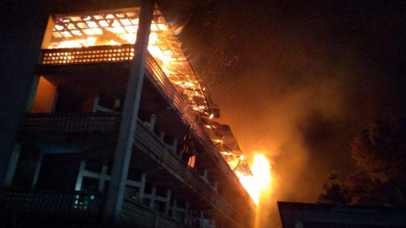Incendie à l'ISP/ Bukavu : les étudiants occupent les auditoires par manque de logement