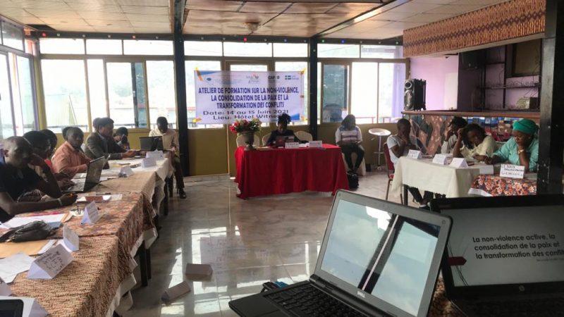 Sud-Kivu/Projet Tufaulu : 30 jeunes leaders formés par LaprunelleRDC ASBL s'engagent à œuvrer dans la non-violence et consolidation de la paix