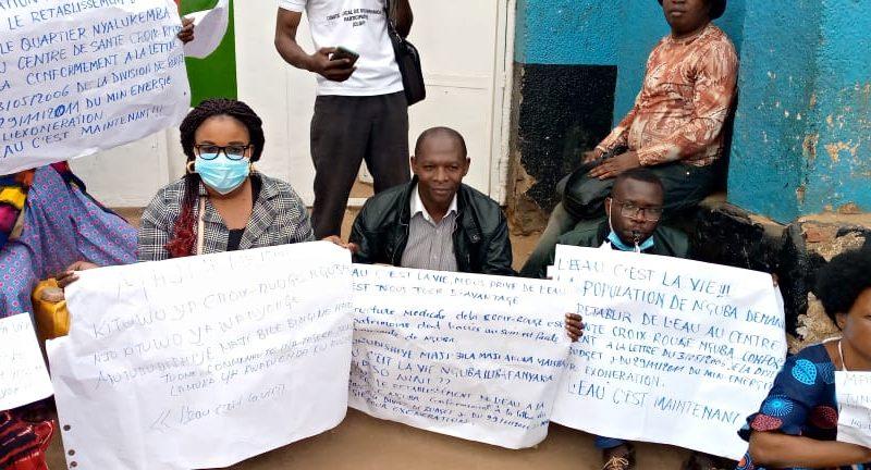 Bukavu: La société civile en sit-in pour exiger à la Régideso le rétablissement de l'eau potable dans les avenues du quartier Nyalukemba