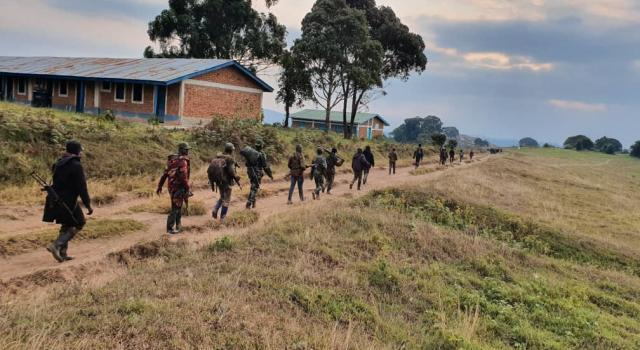 Kalehe: 2 présumés bandits kidnappeurs tués, 1 autre capturé et deux armes récupérées par les FARDC basées à Numbi