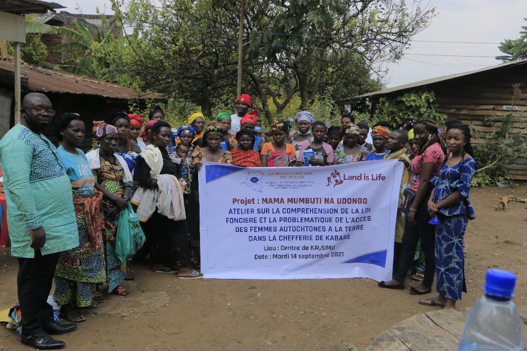 Sud-Kivu: La problématique de l'accès des femmes autochtones à la terre dans la chefferie de Kabare, au centre d'un atelier organisé par LaprunelleRDC ASBL