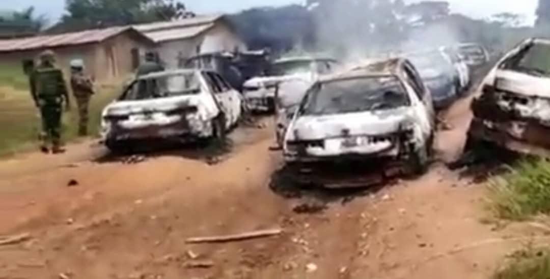 Ituri: Au moins 16 véhicules incendiés dans une nouvelle ambuscade tendue par les ADF à Irumu
