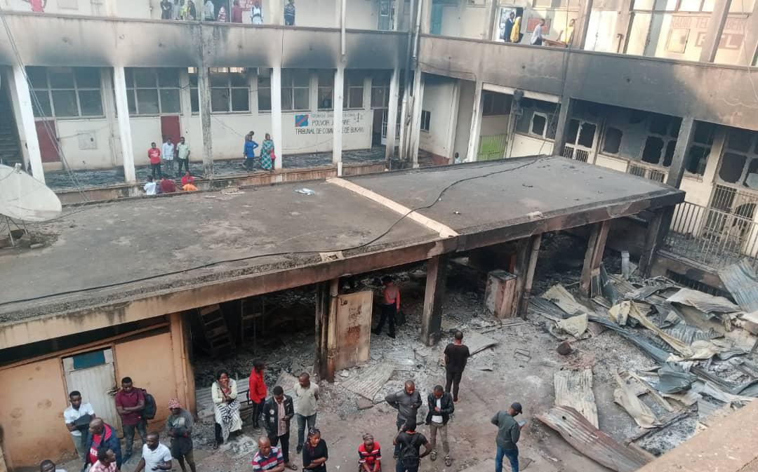 Sud-Kivu: La société civile lance un appel de solidarité envers les médias victimes de l'incendie du bâtiment de l'hôtel de poste de Bukavu