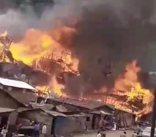 Bukavu: Une centaine des maisons calcinées dans un nouvel incendie au quartier Nyakaliba (Bilan provisoire)
