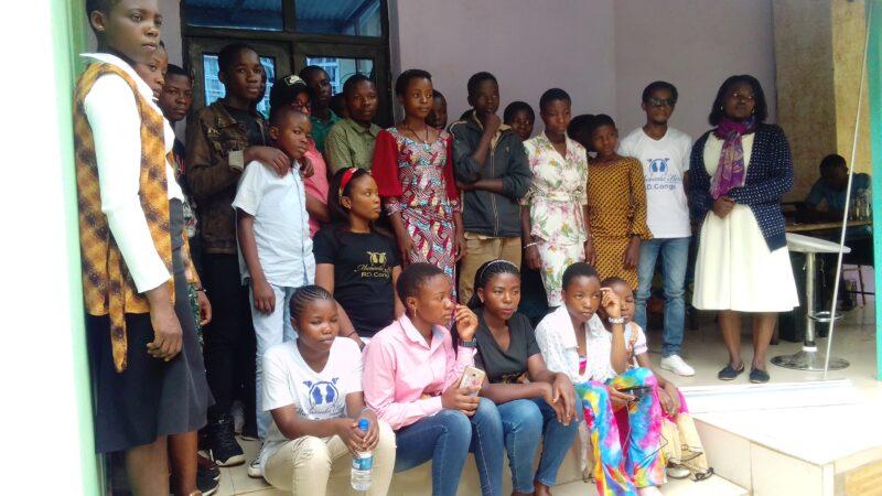 Sud-Kivu /J.M de la jeune fille : Mwanamuke kesho sensibilise sur l'accès équitable des jeunes filles et garçons au numérique